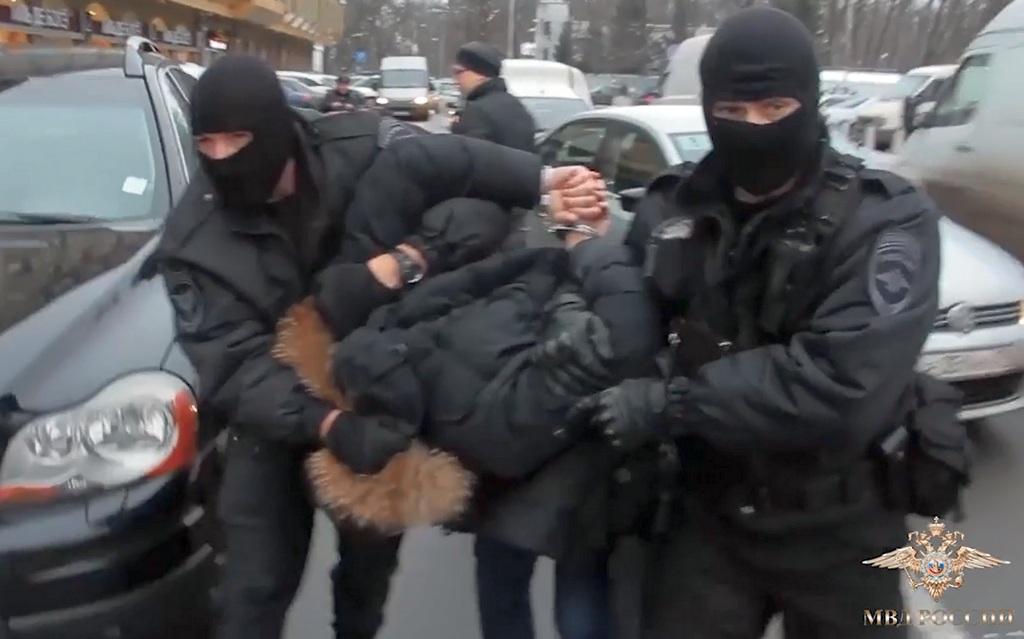 Подельник оборотня-начальницы ФМС из Немана получил штраф и 1,5 года колонии