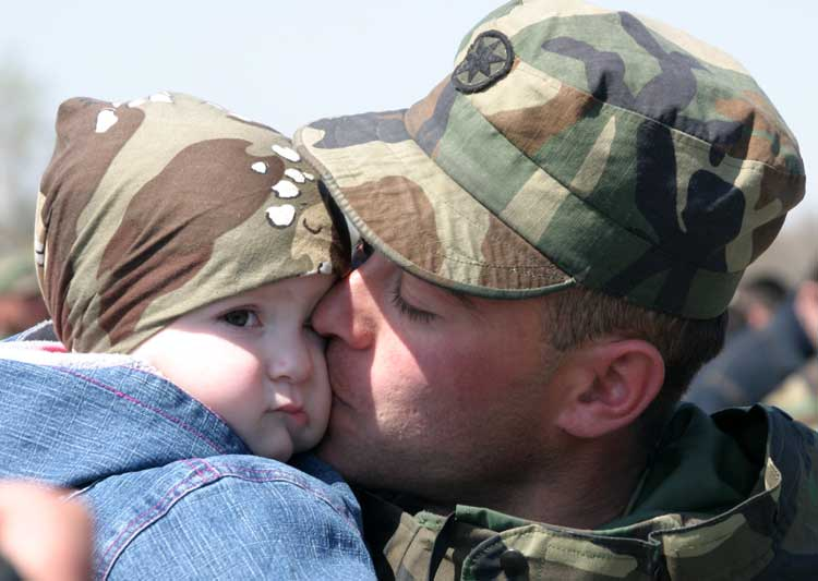 обмануть военный отпуск с помощью ребенка