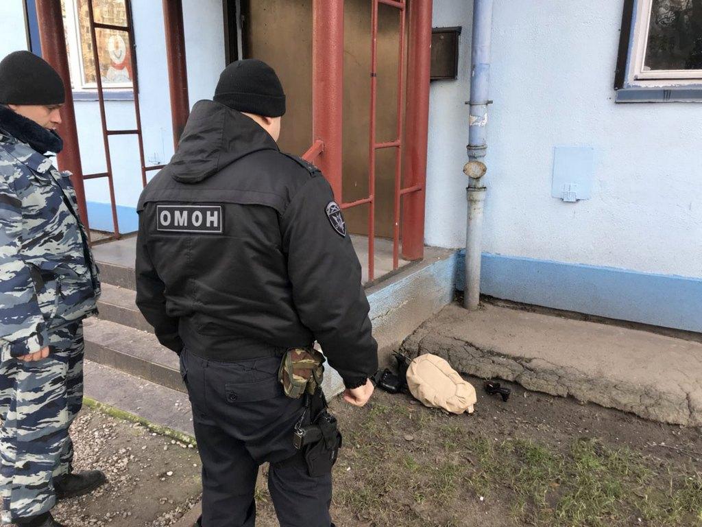 fd558514f777 На крыльце детсада в Калининграде нашли подозрительную сумку ...
