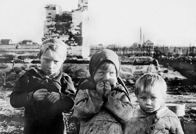 Дети Великой Отечественной (175 ФОТО ). Часть 2 - ХРОНИКИ ПОСЛЕДНЕГО РУБЕЖА