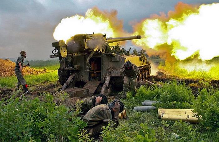 Артиллеристы Балтфлота Огонь ведет орудие Гиацинт.jpg