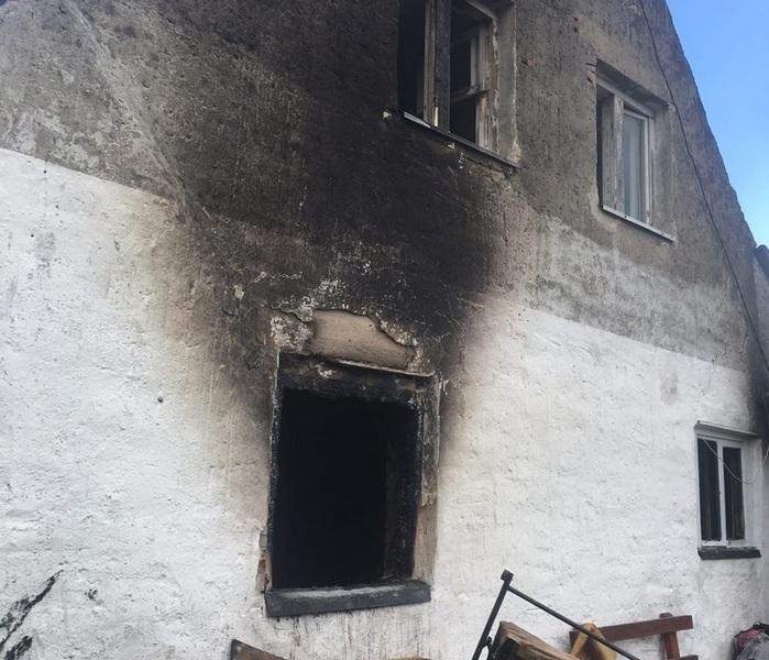 В Черняховске сгорели дом и имущество семьи с тремя детьми