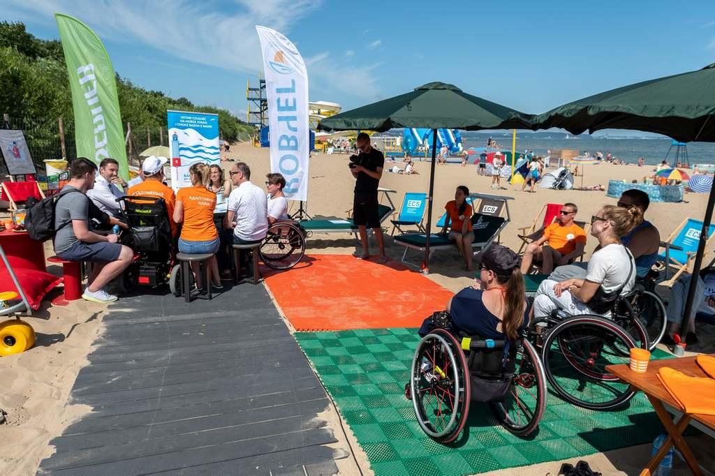«Ковчег» построил безбарьерный пляж даже в Польше