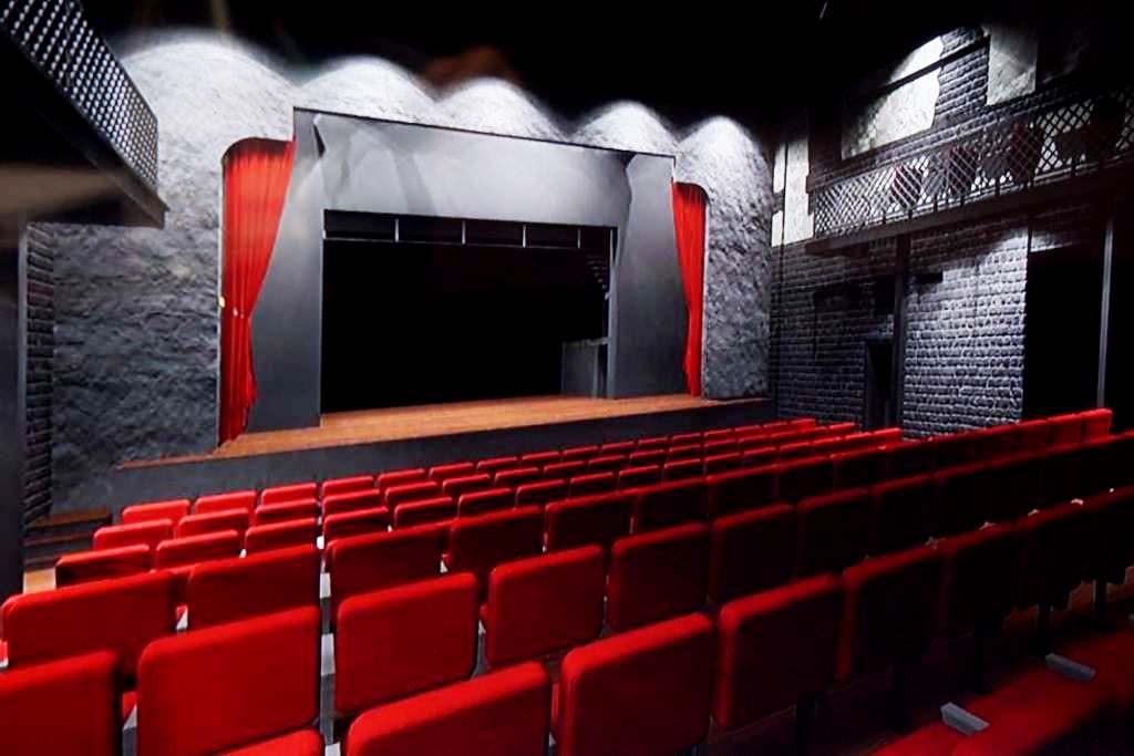 Красное на сером: какими будут зал и сцена Литературного театра (фото)