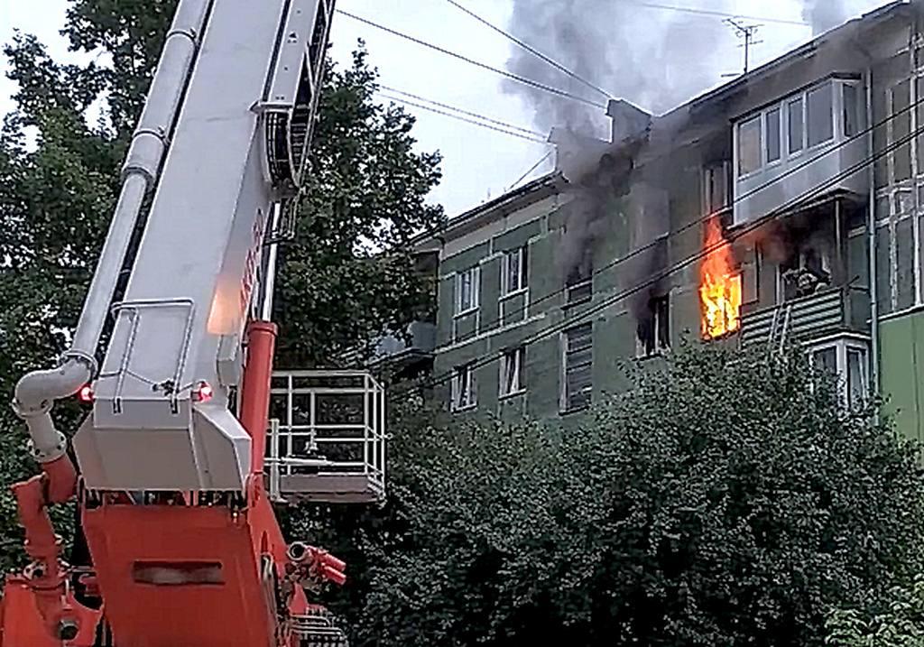 В Калининграде на улице Севастьянова произошёл пожар в квартире