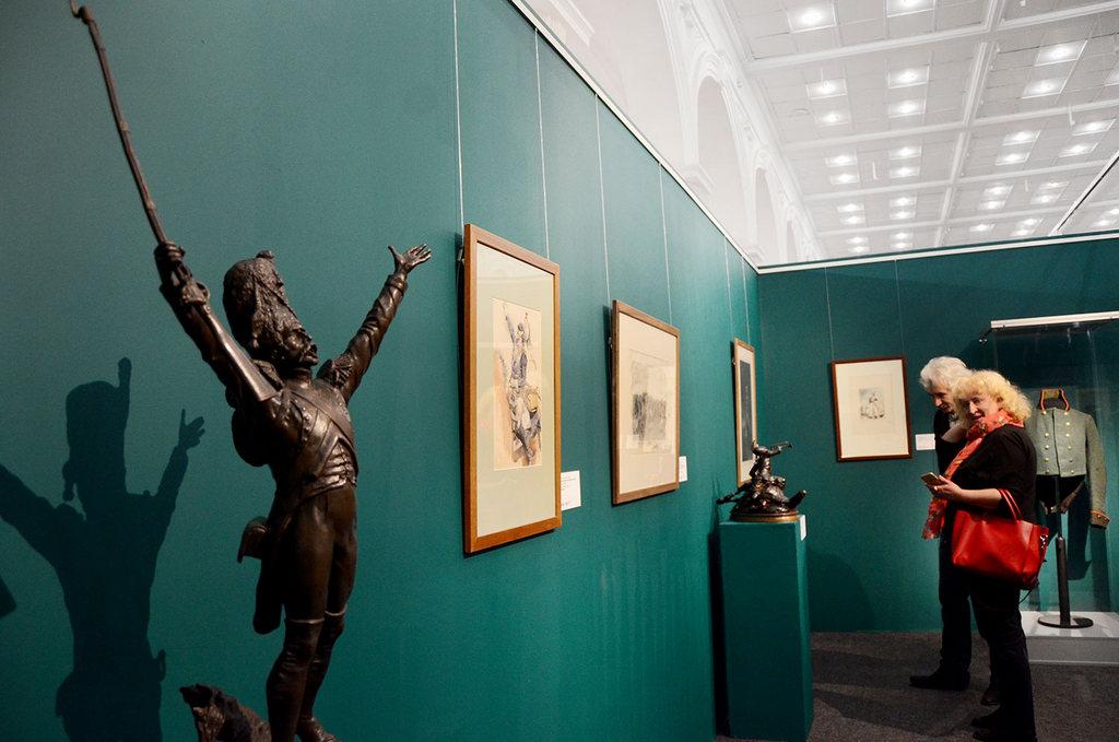 Скульптура французского солдата из частной коллекции.jpg