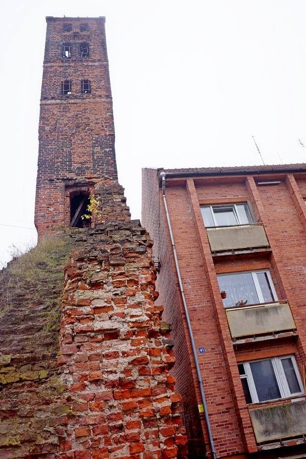 Башня замка Рагнит.jpg